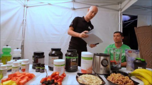 Ronaldo đang tìm hiểu chế độ ăn uống hợp lý