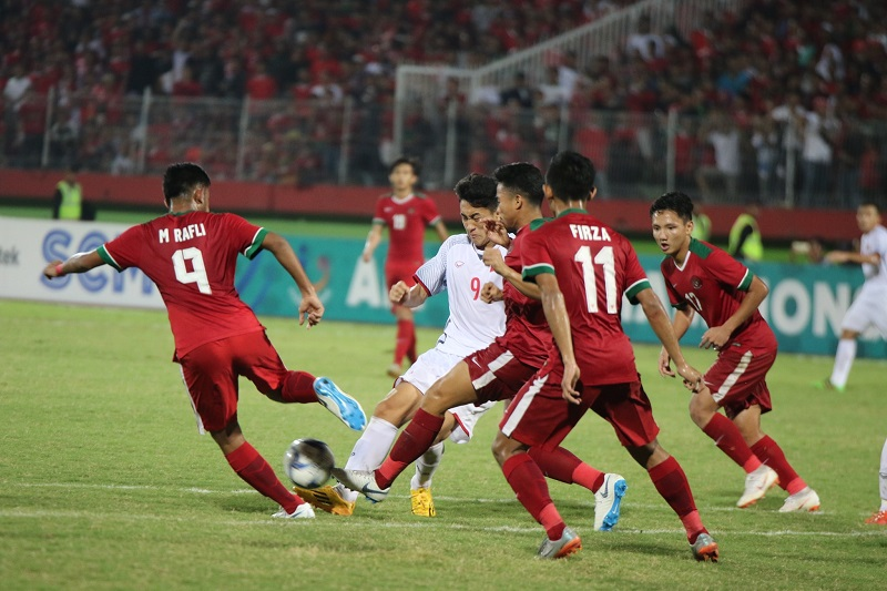 """U19 Việt Nam """"thua đau"""" U19 Indonesia ở những phút cuối"""