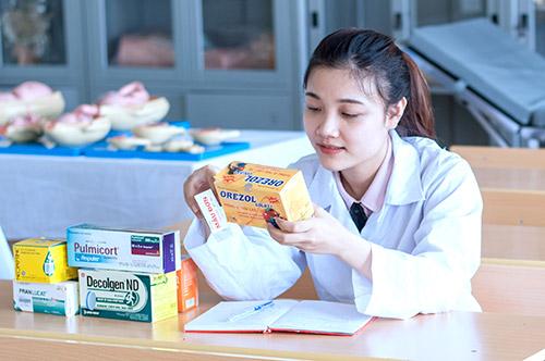 Học ngành Dược nên du học nước nào?