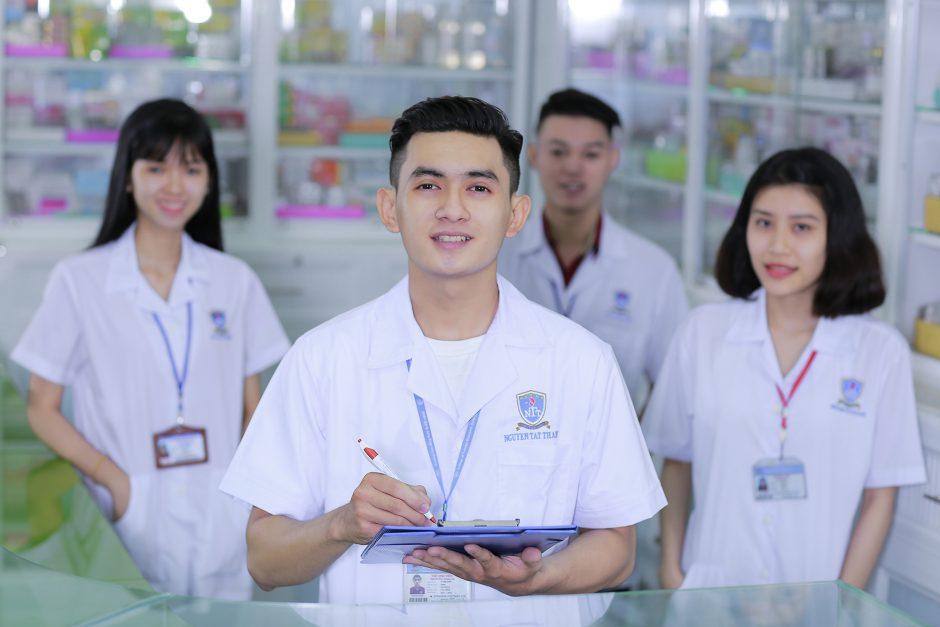 Dược sĩ trung học là gì? Cơ hội việc làm như thế nào?