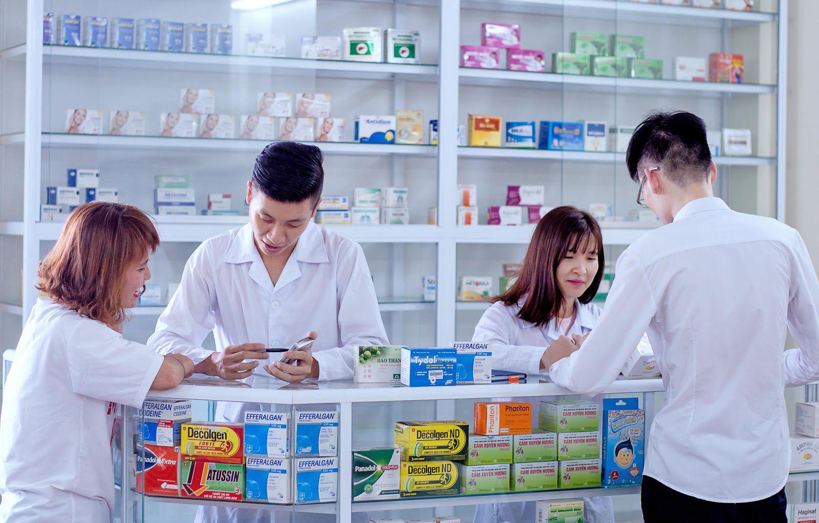 Dược sĩ trung học có được mở nhà thuốc?